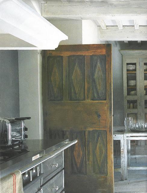 Cote Maisons Kitchen as seen on l&l life - linenlavenderlife.com