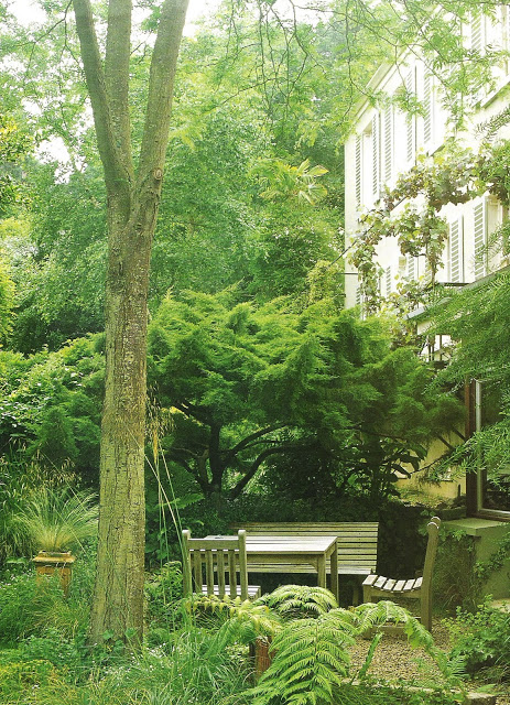 Cote Oest, Juil-Aout2001, gardens, outdoor living spaces as seen on linenlavenderlife com