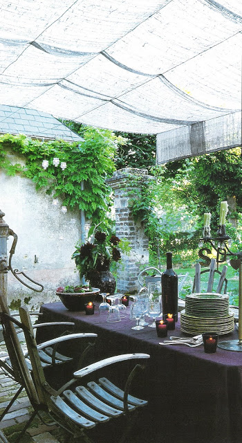 Cote Ouest, Aout-Sept 2003, outdoor living spaces as seen on linenalvenderlife com