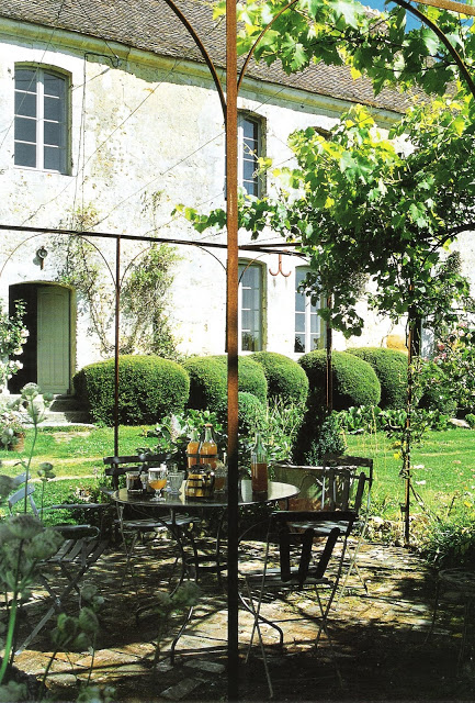 Cote Ouest, Fev-Mars 2005, outdoor living as see on linenlavenderlife com