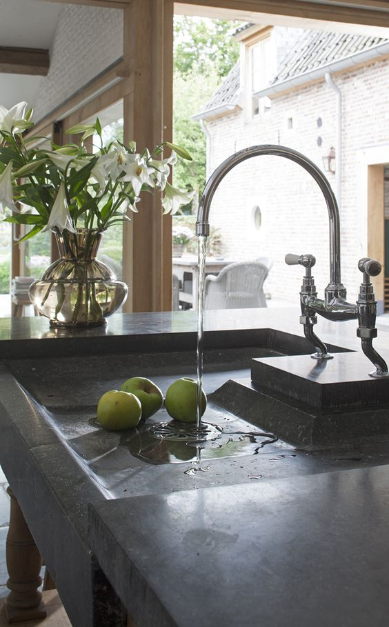 Bluestone sink image via 't achterhuis - as seen on linenlavenderlife com